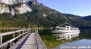 The Salzkammergut Lake district with its pretty mountains is ideal for cruises.