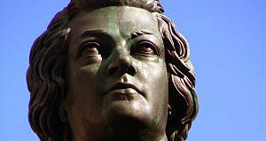 Wolfgang Amadeus Mozart: Statue at the Mozartplatz Square.